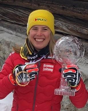 Katharina Liensberger krönt die Saison mit dem Gewinn der kleinen Weltcup-SL-Kristallkugel